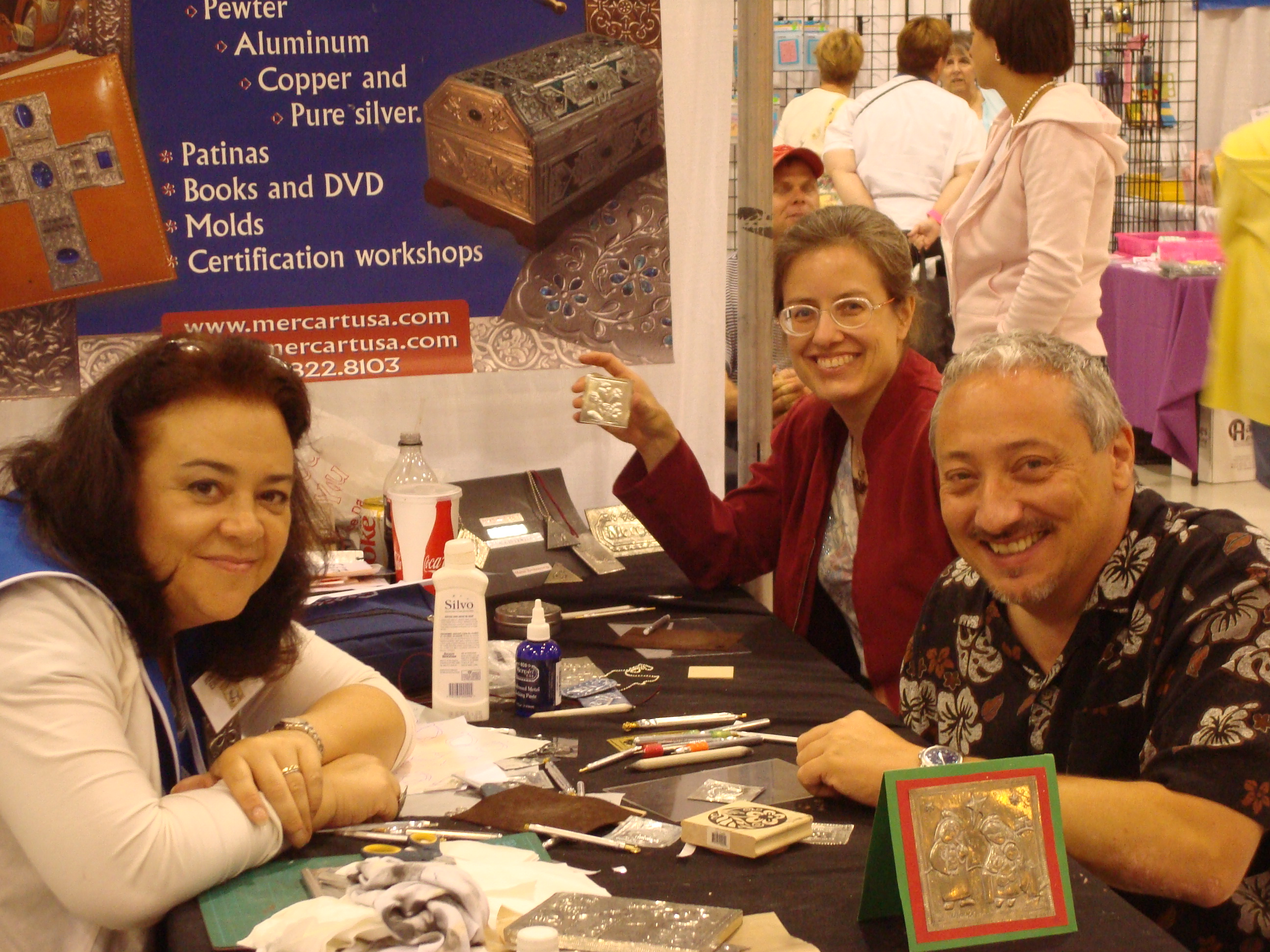 JoeR and Magdalena Muldoon (left) at the MercArt booth (Stampaway 2010)