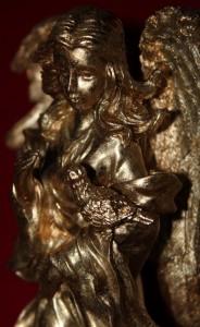 First coat of gold GildenGlitz on angel