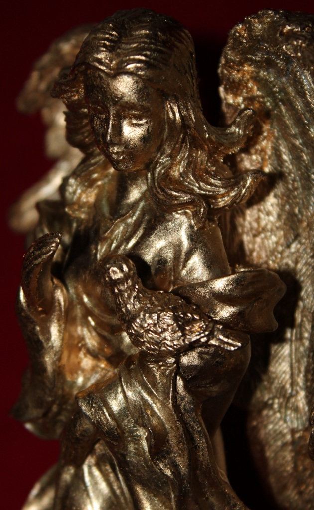 First coat of gold GildenGlitz on angel
